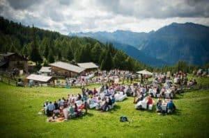 """Sterne- und Haubenköche auf der Alm: """"The Unplugged Taste"""" in Schenna/Südtirol"""