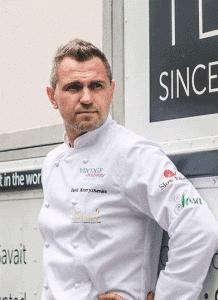 Starkoch Yurii Kovryzhenko zu Gast in der Küche der Bristol Lounge