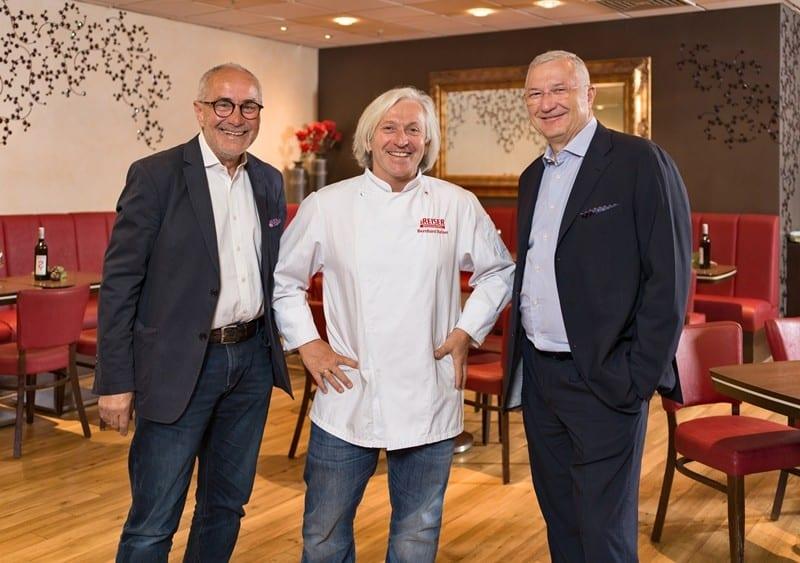 Kulinarische Kooperation: Toques d'Or Chef Bernhard Reiser kocht im Würzburger Modehaus Götz