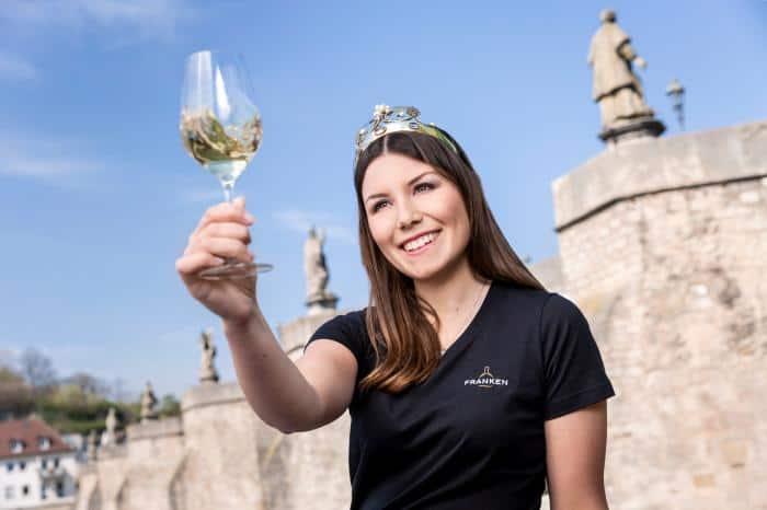 Weinkönigin Carolin Meyer