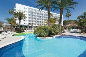 RIU öffnet Hotels an beliebten Reisezielen in Spanien wieder