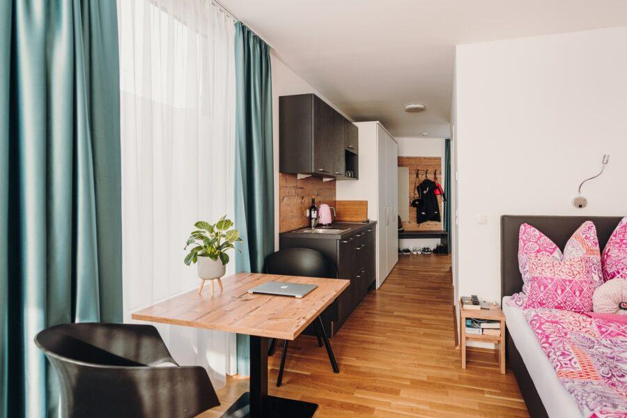 4205 hotel jungbrunn hoamtl single